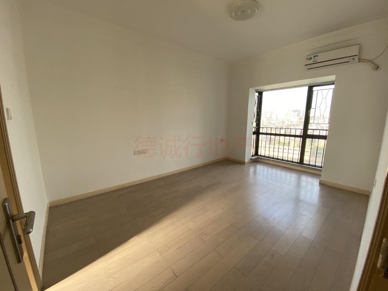 中海橡园国际3室2厅1卫东南朝向仅550万元,诚心放售
